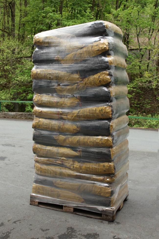Grill holzkohle 10 kg auf einwegpalette for Grill holzkohle